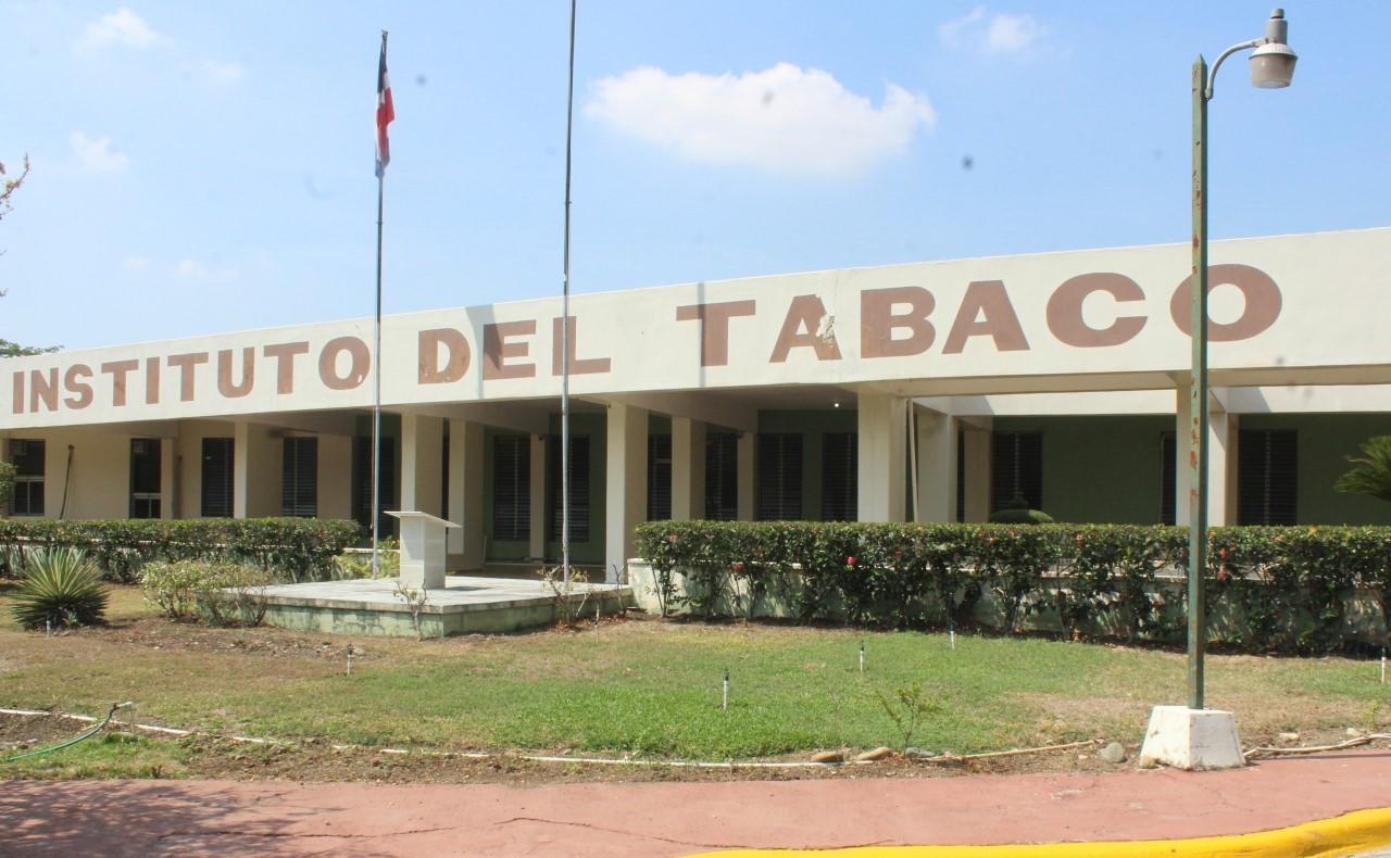 Celebran 58 aniversario fundación INTABACO; director ejecutivo destaca aportes a producción e industria del tabaco